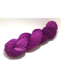 Mina Dyeworks Socksanity - 100gram=420m 75% wol 25% nylon - ''#8b008b''