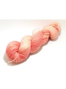 Mina Dyeworks Socksanity - 100gram=420m 75% wol 25% nylon - ''Cydonia oblonga''
