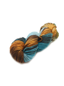 Sticks & Cups Pardis - A Happy Little Mountain- 150g - 390m - 80% SW Merino 20% Polyamide - 4-6mm