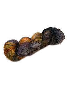 Mina Dyeworks Socksanity - 100gram=420m 75% wol 25% nylon - ''Fenrir''