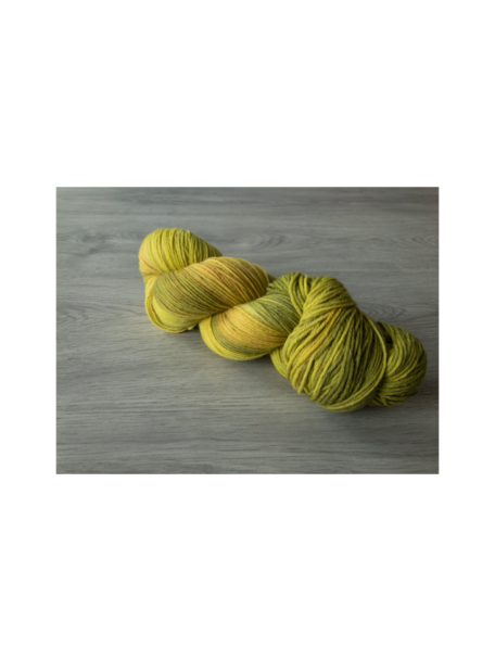 Sticks & Cups Pardis - August - 150g - 390m - 80% SW Merino 20% Polyamide - 4-6mm