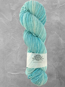"Mina Dyeworks Wollin - ""Agua"" - 400m - 100g - 85% wool 15% linen"