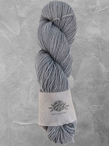 "Mina Dyeworks Wollin - ""Periwinkle"" - 400m - 100g - 85% wool 15% linen"