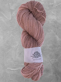 """Mina Dyeworks Wollin - """"Old Pink"""" - 400m - 100g - 85% wool 15% linen"""
