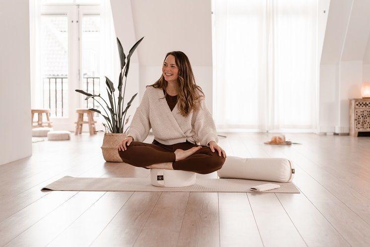 Meditatiekussen of yoga bolster?