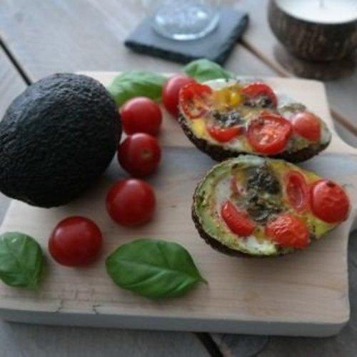 Gevulde avocado uit de oven