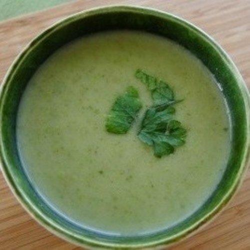 Bleekselderij soep