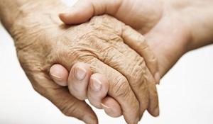 Waarom hebben ouderen meer last van kalknagels