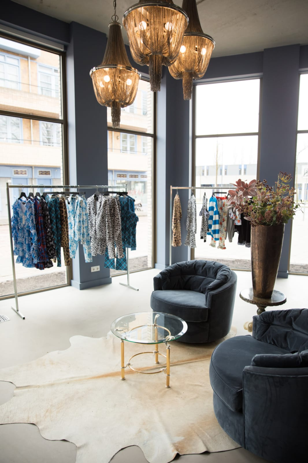 Lona Mila Store
