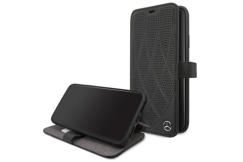 Mercedes-Benz Apple iPhone 11 Pro Max Zwart Mercedes-Benz Booktype hoesje Quilted Perf - Genuine Leather - MEFLBKN65DIQBK