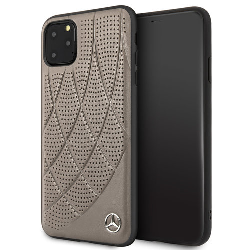Mercedes-Benz Apple iPhone 11 Pro Max Bruin Mercedes-Benz Backcover hoesje Quilted Perf - Genuine Leather - MEHCN65DIQBR