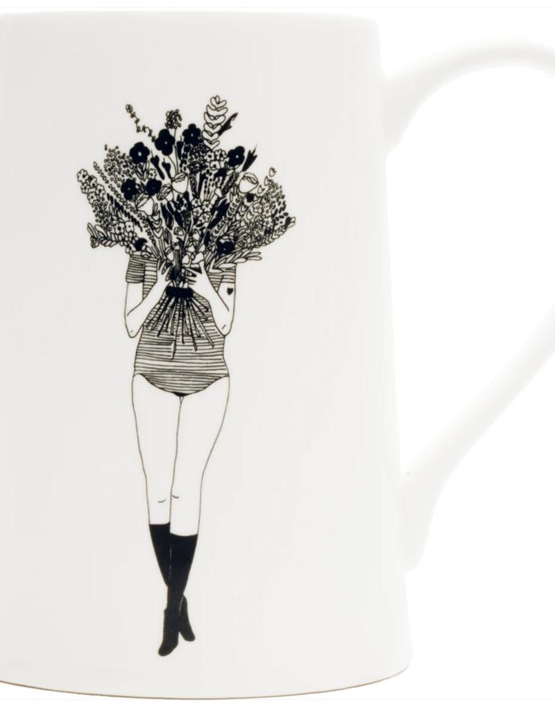CARAFE - fille avec des fleurs