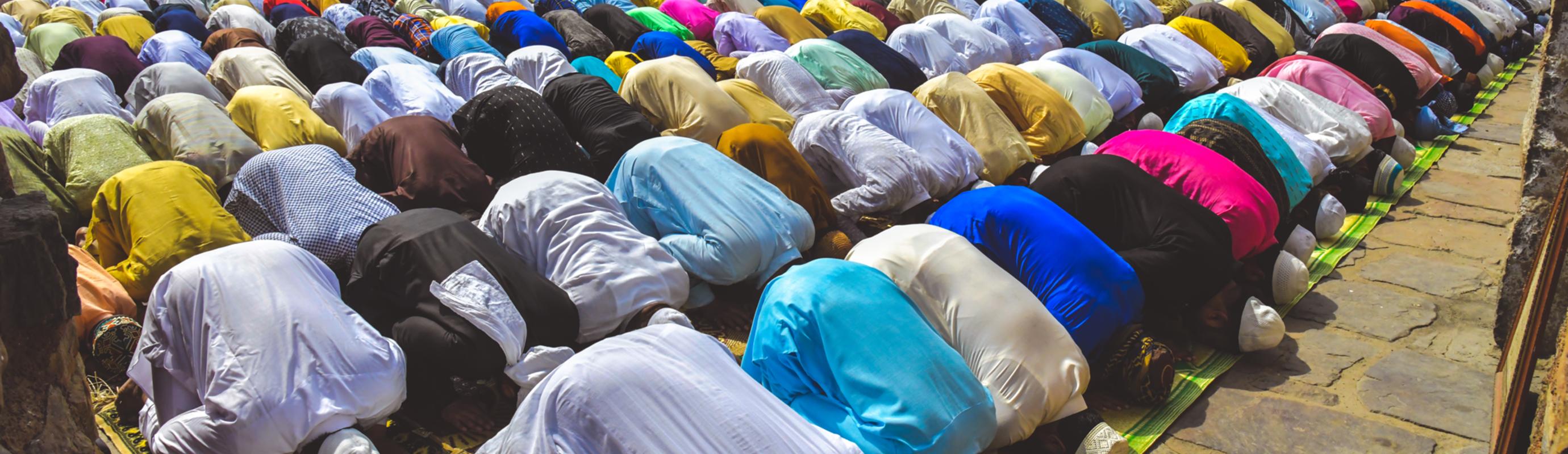 Dagelijks ritueel gebed in Islam..na zonsondergang - Maghrib en Isha..luister hier naar de opname.