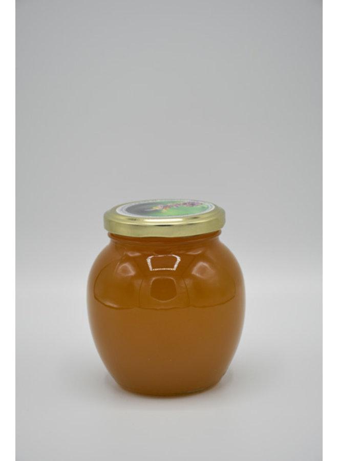 Kwaliteit van deze ambachtelijke Amorpha honing is onderscheiden geweest met verschillende medailles
