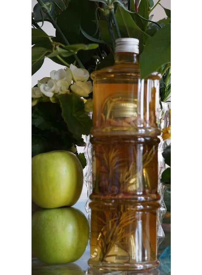 Volledig ambachtelijk bereide appelazijn van natuurlijk gekweekte appels