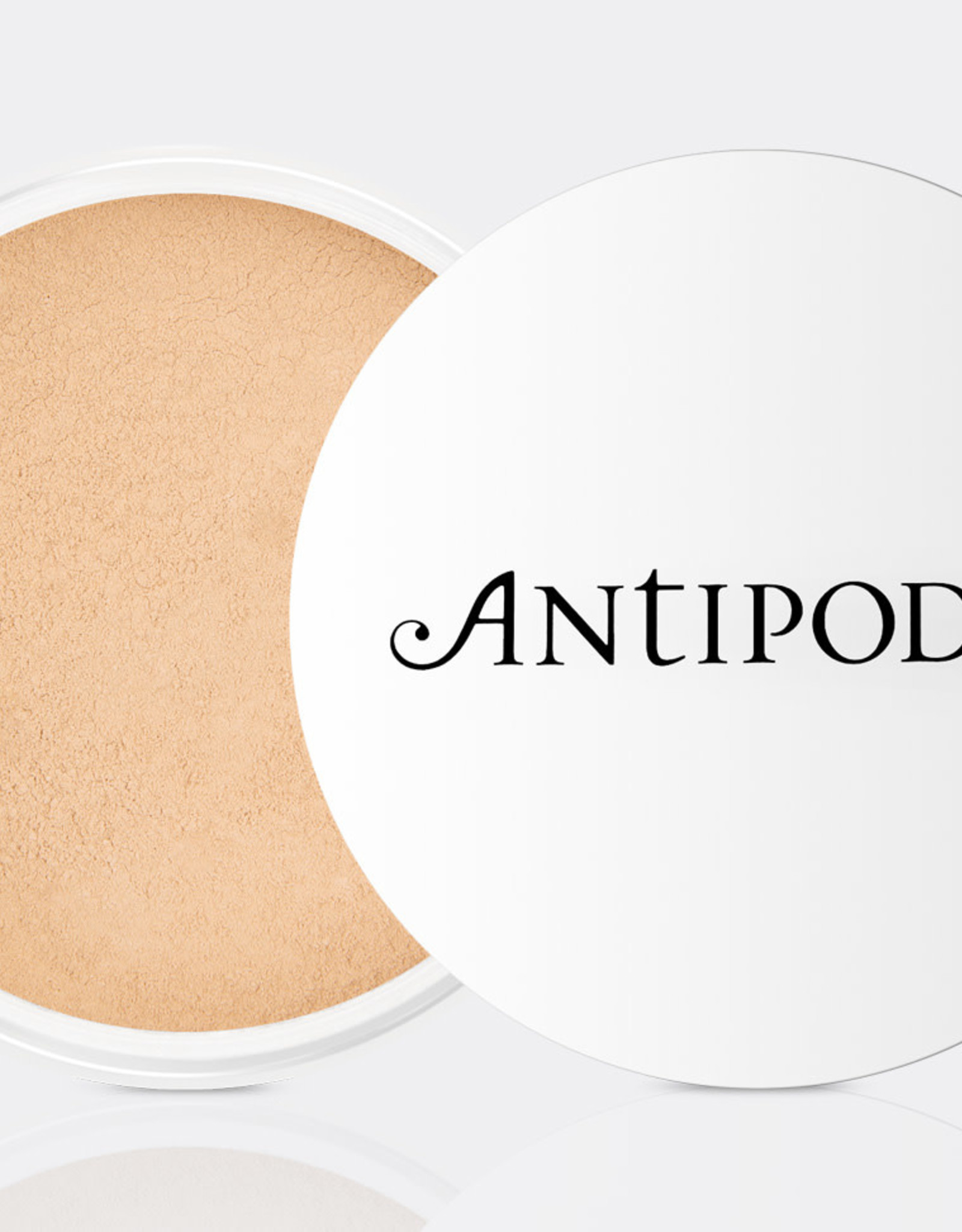 Antipodes Light Yellow 02 - mineral foundation SPF15 - 11g