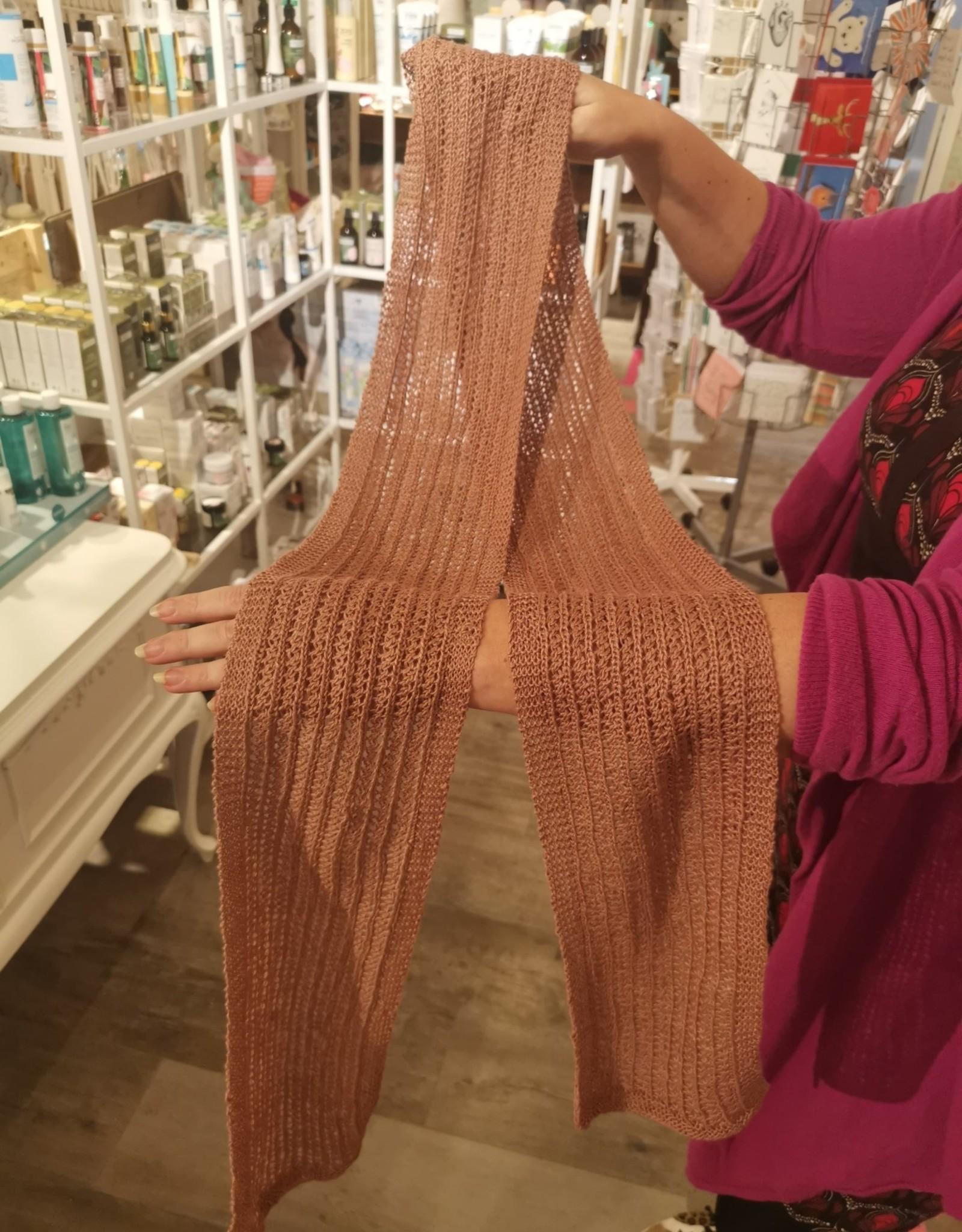 Roos met Witte Stippen Homemade sjaal 100% hennep oud roze