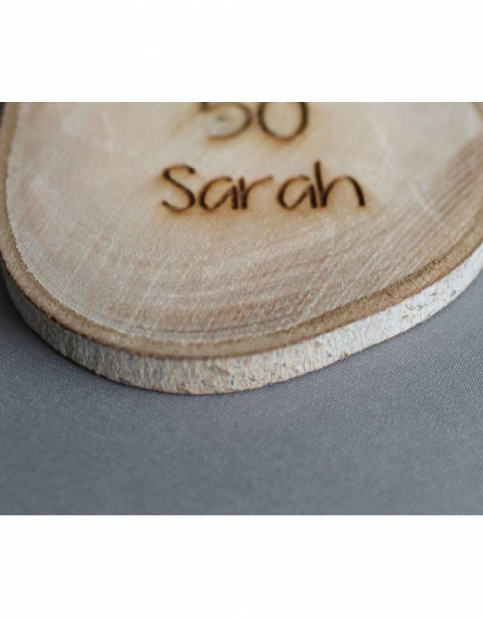 """Houten cadeau-label - """"Sarah 50"""""""