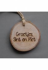 """Houten cadeau-label - """"Groetjes Sint en Piet"""""""
