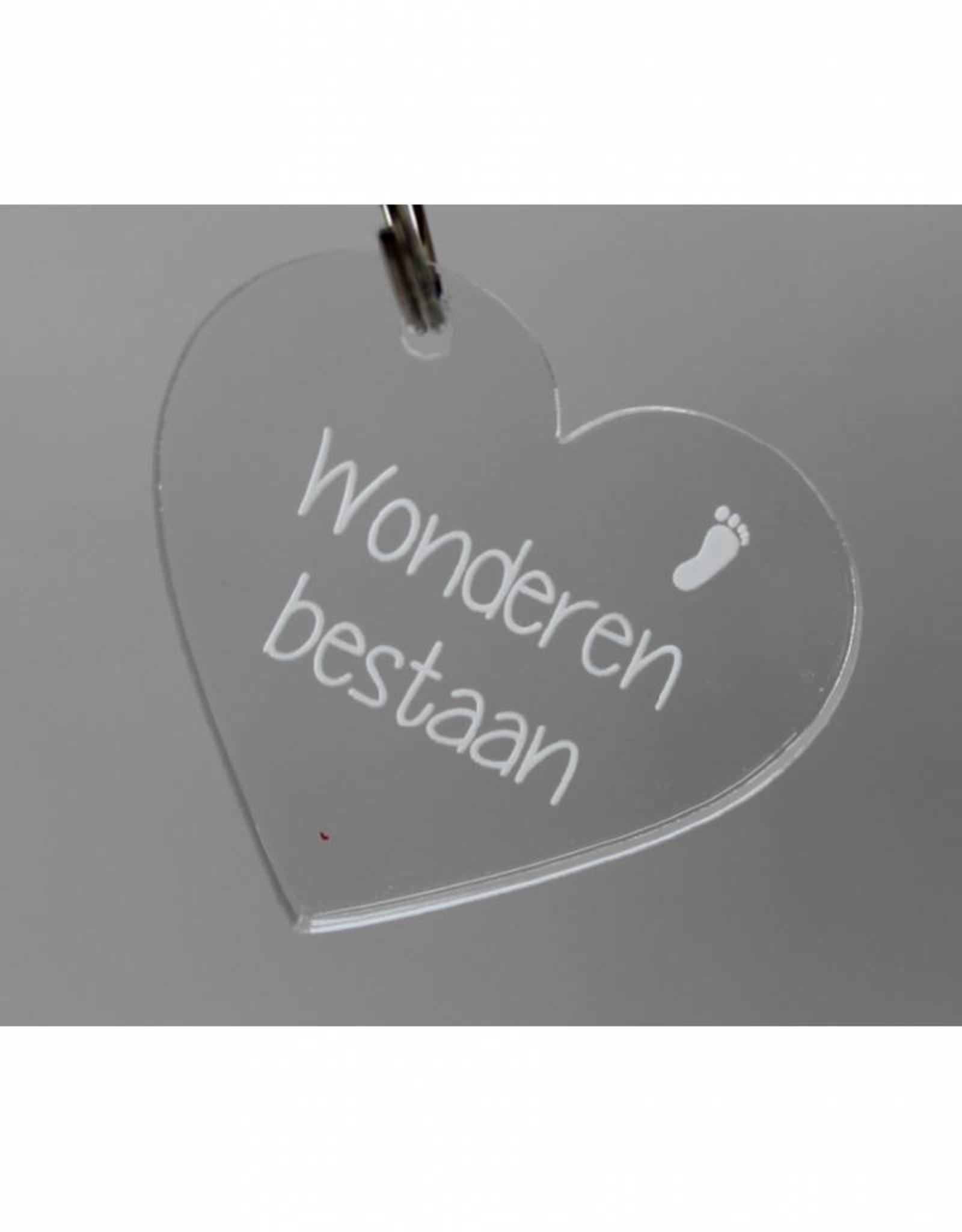 """Sleutelhanger hartje """"Wonderen bestaan"""""""