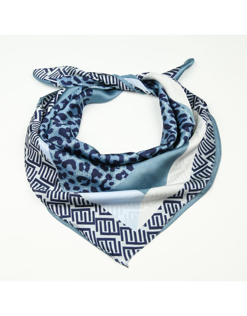 Sjaal satijn blauw panterprint