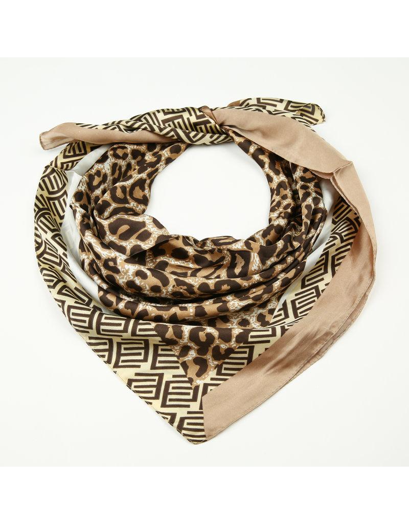 Sjaal satijn bruin panterprint