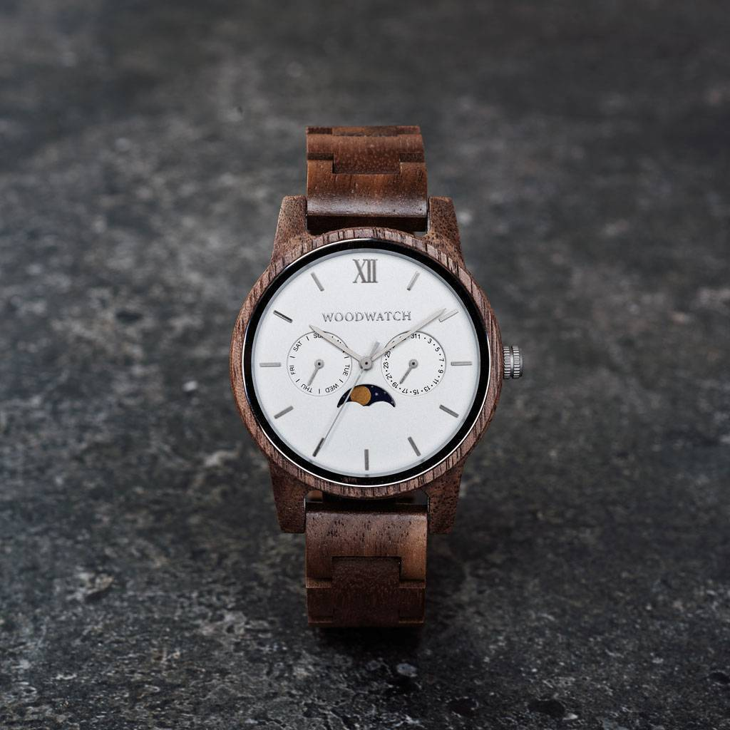 The CLASSIC Collection rethinks the aesthetic of a WoodWatch in a sophisticated way. The slim cases give a classy impression while featuring a unique a moonphase movement and two extra subdials featuring a week and month display. The CLASSIC Ghost is made