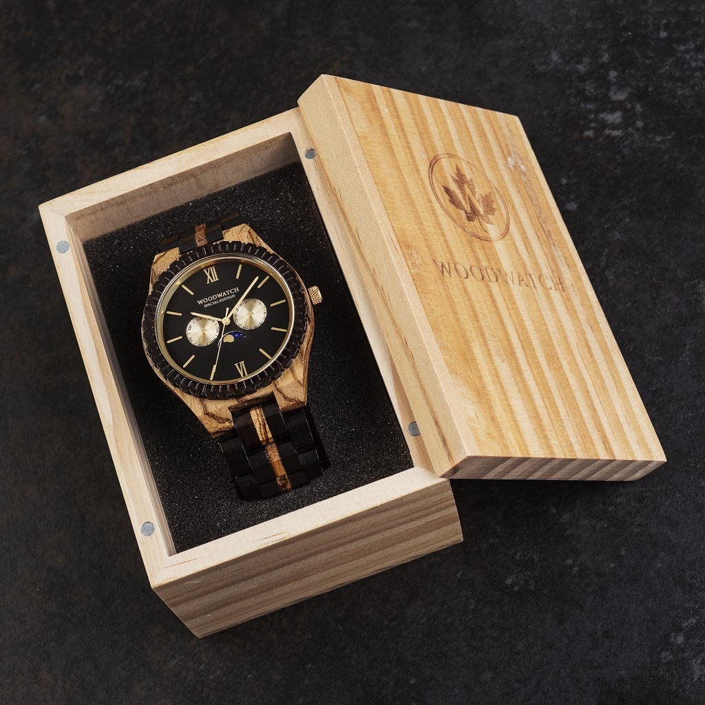 Now available in limited availability - our GRAND Special Edition. Made by hand from a unique combination of Ebony Wood from Eastern Africa and Zebrawood from Western Africa and featuring golden details. Only 100 pieces are available. Each watch is unique