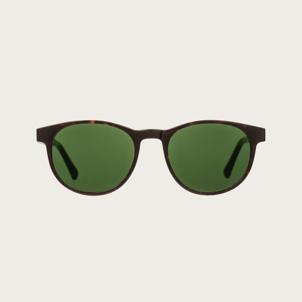 The ELLIPSE Forever Havanas Camo features a characteristic rounded dark brown tortoise frame with green camo lenses. Composed of durable Italian Mazzucchelli bio-acetate with hand-finished natural ebony temples and tortoise acetate tips. Bio-acetate is ma