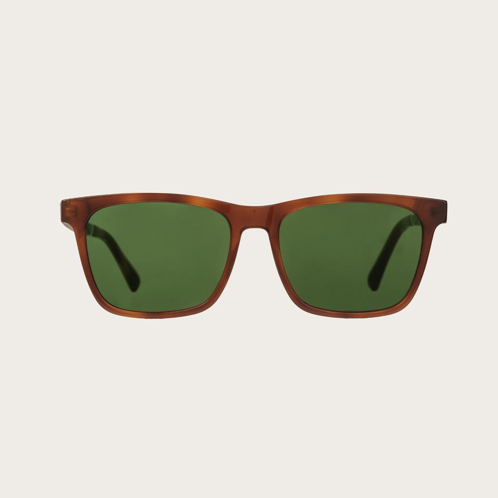 The BROOKLYN Classic Havanas Camo features a squared dark yellow tortoise frame with green camo lenses. Composed of durable Italian Mazzucchelli bio-acetate with hand-finished natural ebony temples and tortoise acetate tips. Bio-acetate is made from cotto
