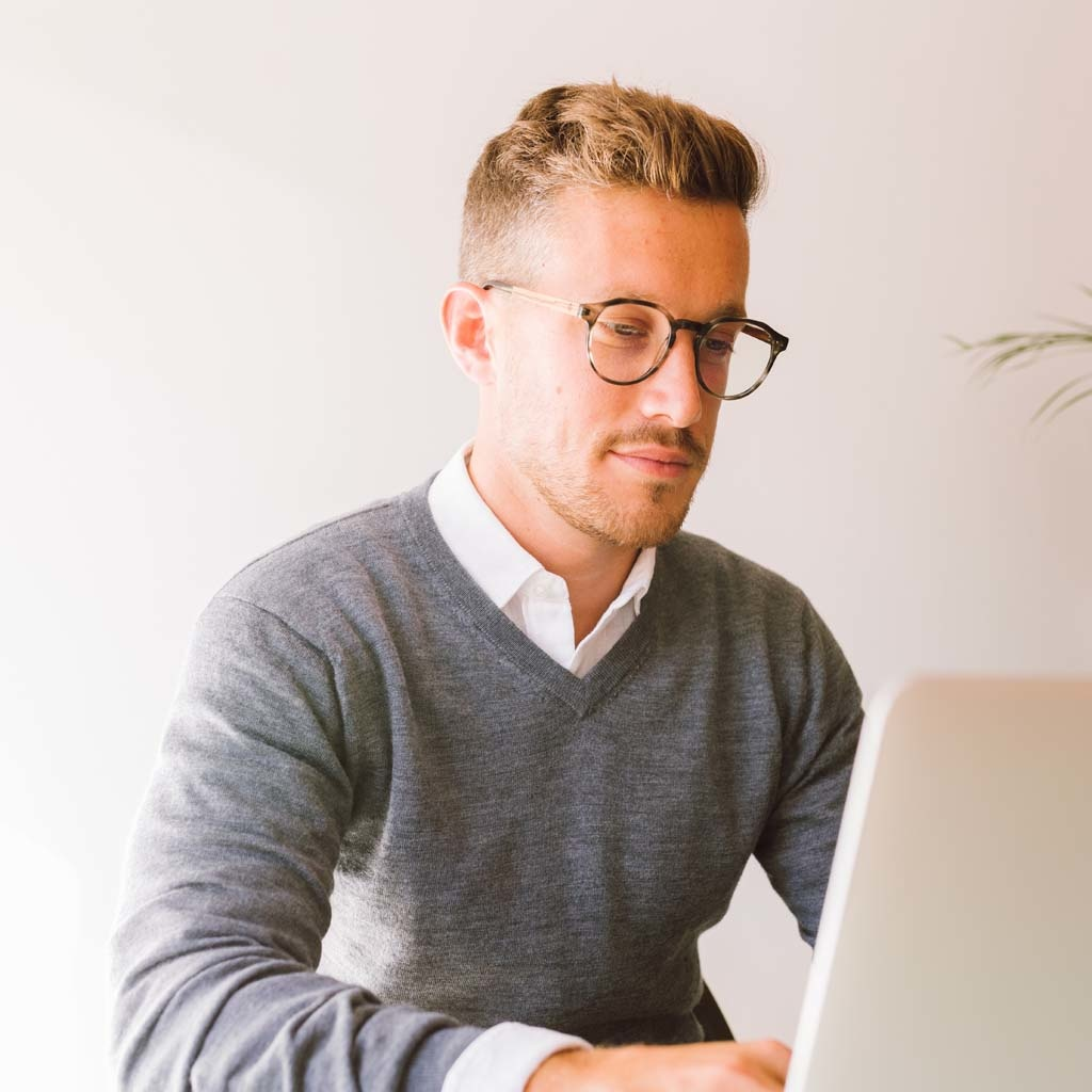 """Filter out harmful excess blue light which can cause eye strain, headaches and poor sleep. The Reveler """"Heritage"""" features a sleek geometric grey tortoise frame and is composed of durable Italian Mazzucchelli bio-acetate with hand-finished natural zebrawo"""
