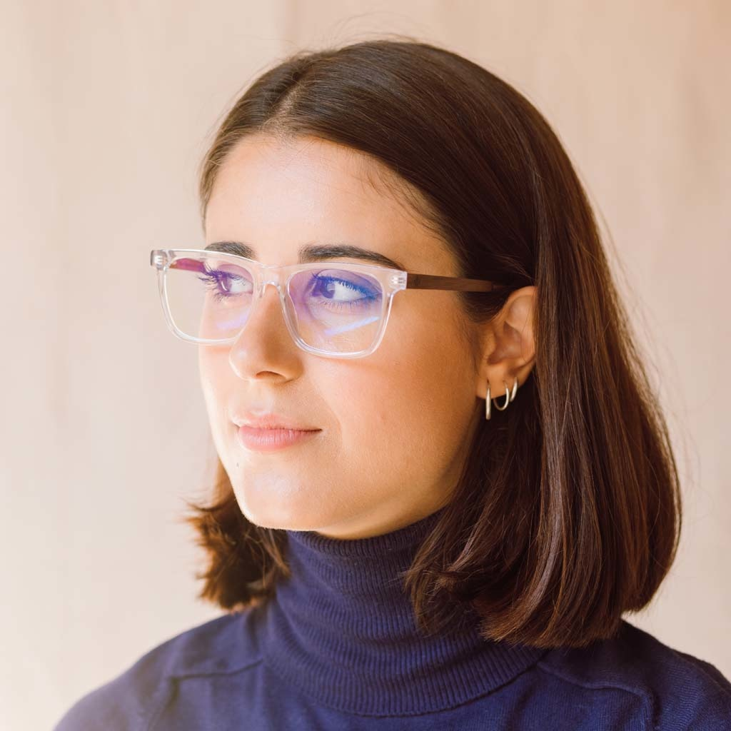 Clear specs fitted with our BlueBlock lenses. Filter out harmful excess blue light which can cause eye strain, headaches and poor sleep. The BROOKLYN Clear clear frame and is composed of durable Italian Mazzucchelli bio-acetate with hand-finished natural