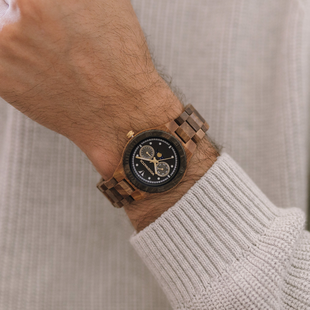 The ODYSSEY Collection is fully designed for the 7th anniversary of WoodWatch. The collection accommodates a 40mm diameter watch case with our characteristic moonphase movement. We incorporated phosphorescent materials in a WoodWatch for the first time ev