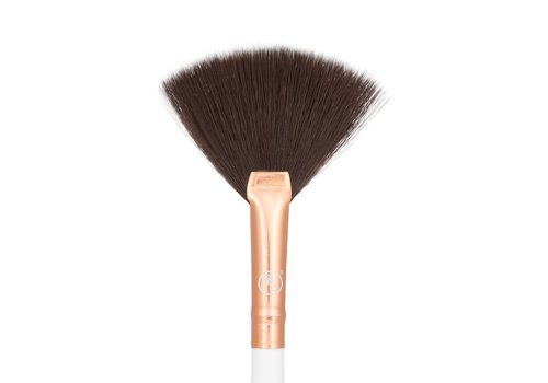 Boozy Cosmetics 3400 Precision Fan Brush