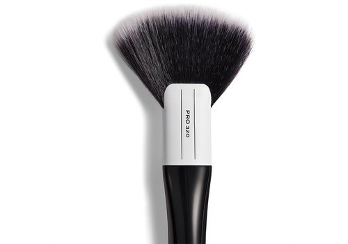 Revolution Pro 320 Large Fan Brush