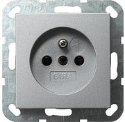 GIRA wandcontactdoos randaarde aardingspen (Belgie) Systeem 55 aluminium mat (048526)