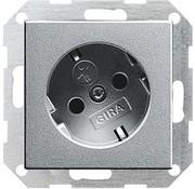 GIRA wandcontactdoos randaarde kindveilig 30 graden gedraaid Systeem 55 aluminium mat (041826)