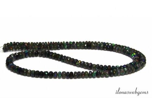 Zwarte Edelopaal kralen facet rondel op- en aflopend van ca . 3x1.5 tot 4.5x2.5mm