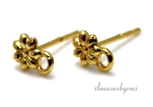 1 pair of Vermeil flower earrings