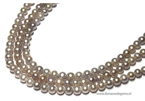 Fresh Water Pearls light lila app. 8.5mm AA quality