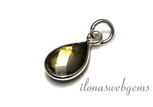 Sterling Silver Pendant with Labradorite