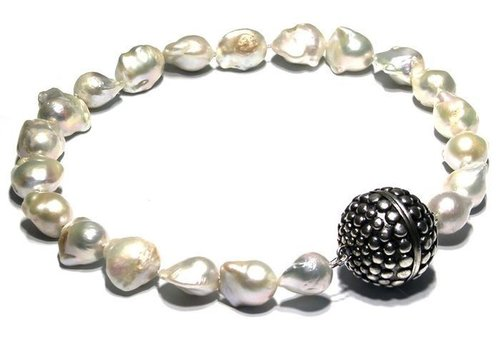 Pearl Necklace with mega sterling silver magnetic clasp