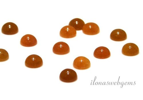 Yellow jade cabochon 6mm