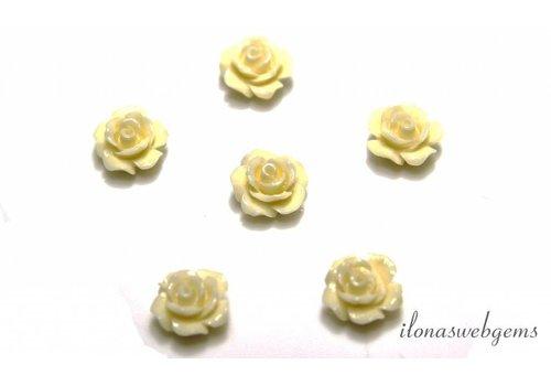 Koraal roosje creme ca. 10mm (kraal)