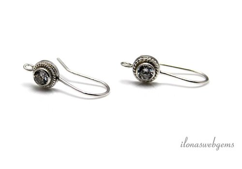 1 pair of Sterling silver ear hook with clear CZ