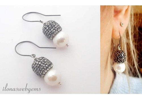 Inspiration Ohrringe Perlen und schwarz überzogene Ohrhaken