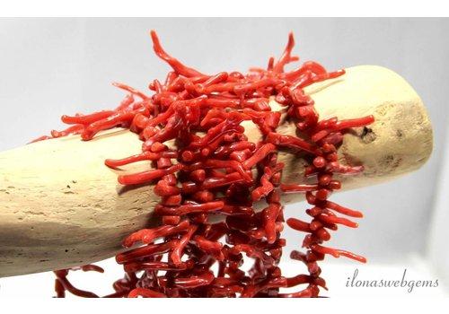 Bloedkoraal kralen takjes ''Corallium Rubrum'' ca. 30x2 - 4x3mm