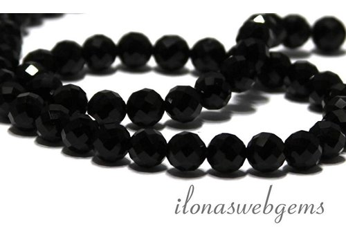 Onyx beads round facet about 8mm AAA
