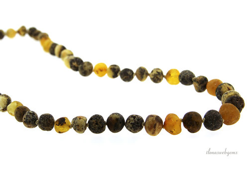 Amber chain on and descending from approx. 7 to 9.5 mm