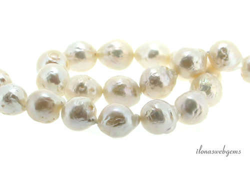 Baroque pearls A quality around 12mm